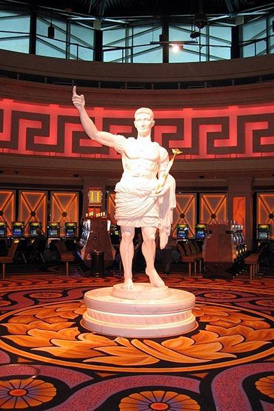 Caesars Windsor statue
